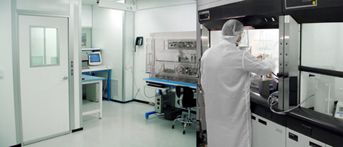 All In One: the first GMP universal Radiosynthesis Unit
